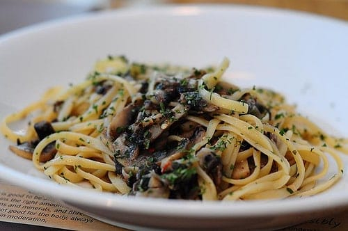Light Mushroom and Garlic Pasta