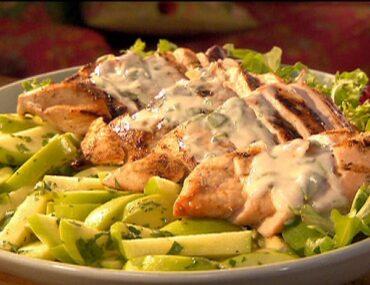 grilled chicken with mint yogurt sauce