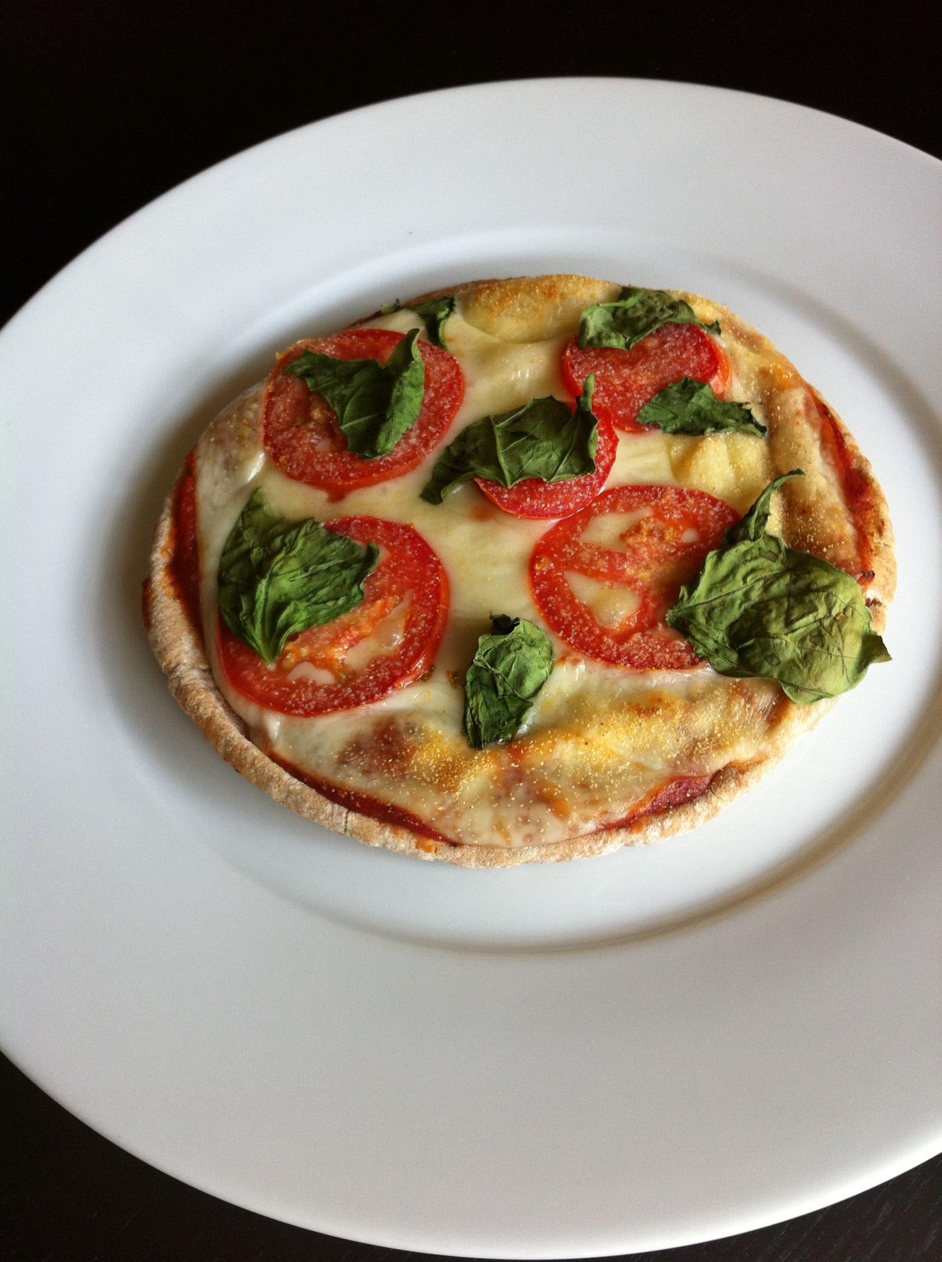 Fresh Tomato Basil Pizza Recipe - 5 Points + - LaaLoosh