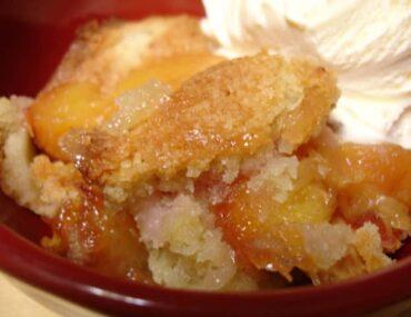 low calorie peach cobbler