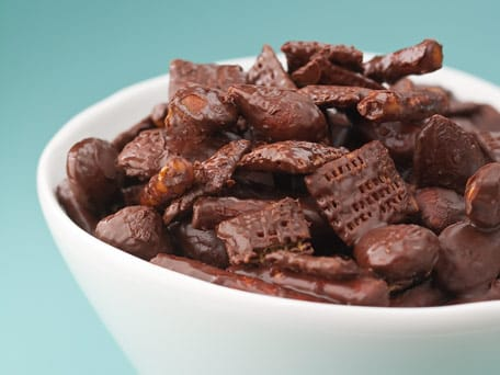 chocolate crunch snack mix