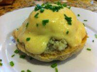crab eggs.benedict