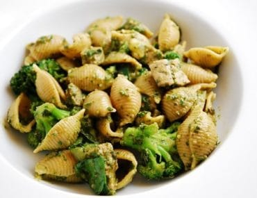 shells with sausage and broccoli pesto