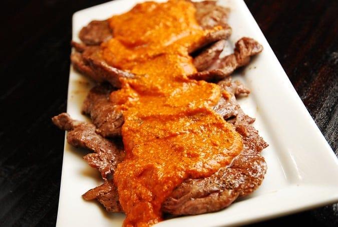 skirt steak romesco