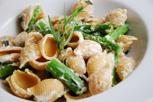 Goat Cheese and Asparagus Pasta