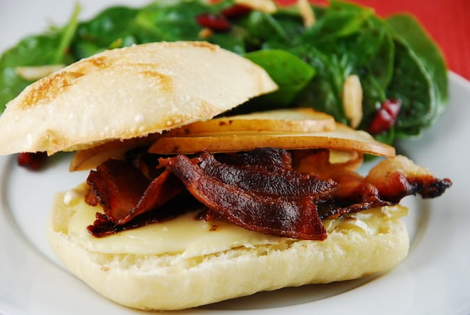 bacon brie and pear sandwich