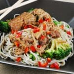 Slow Cooker Asian Chicken and Noodles with Broccoli – 7 Points