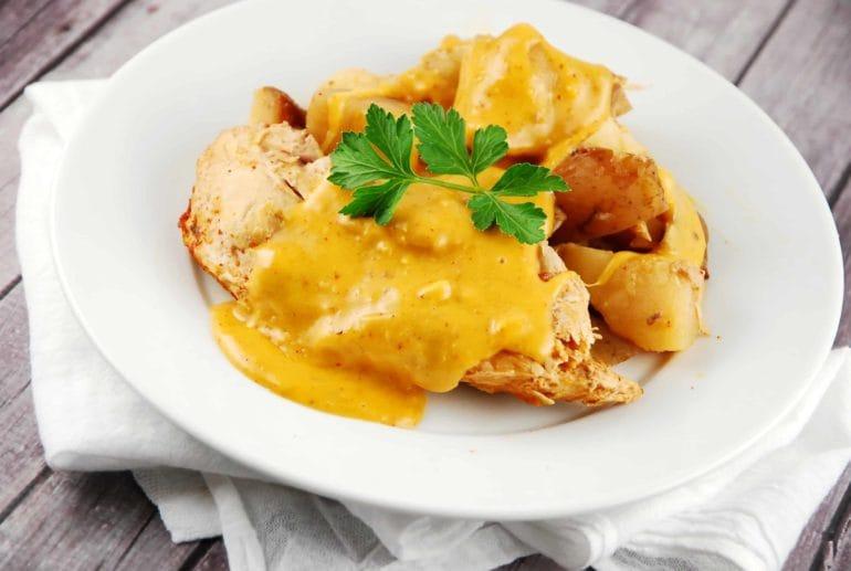 crock pot cheesy chicken and potatoes