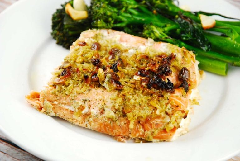 Onion and pistachio crusted salmon 5 points laaloosh for Pistachio crusted fish