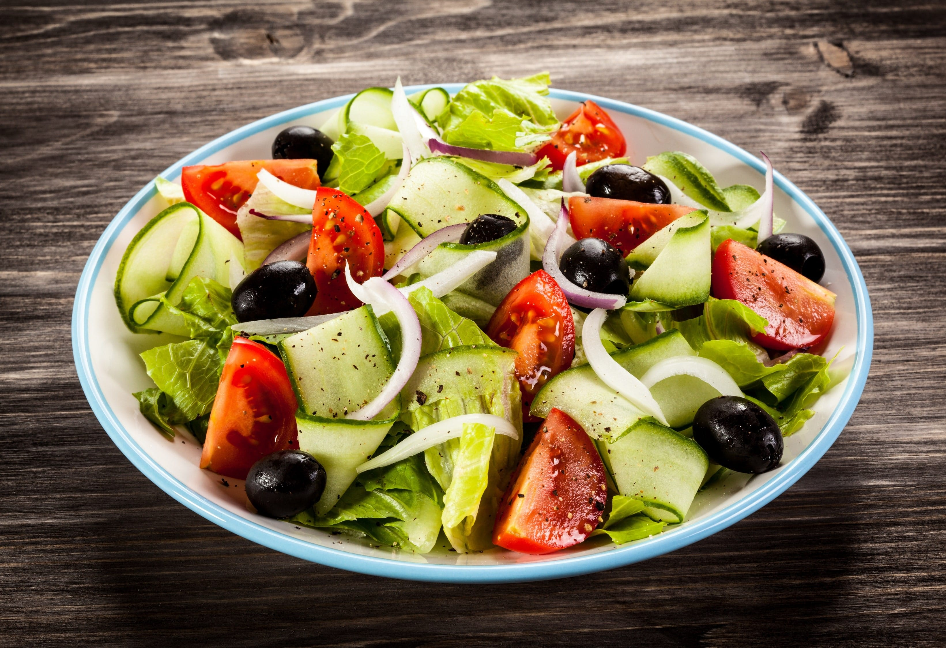 light and refreshing salad with delicious Greek vinaigrette.