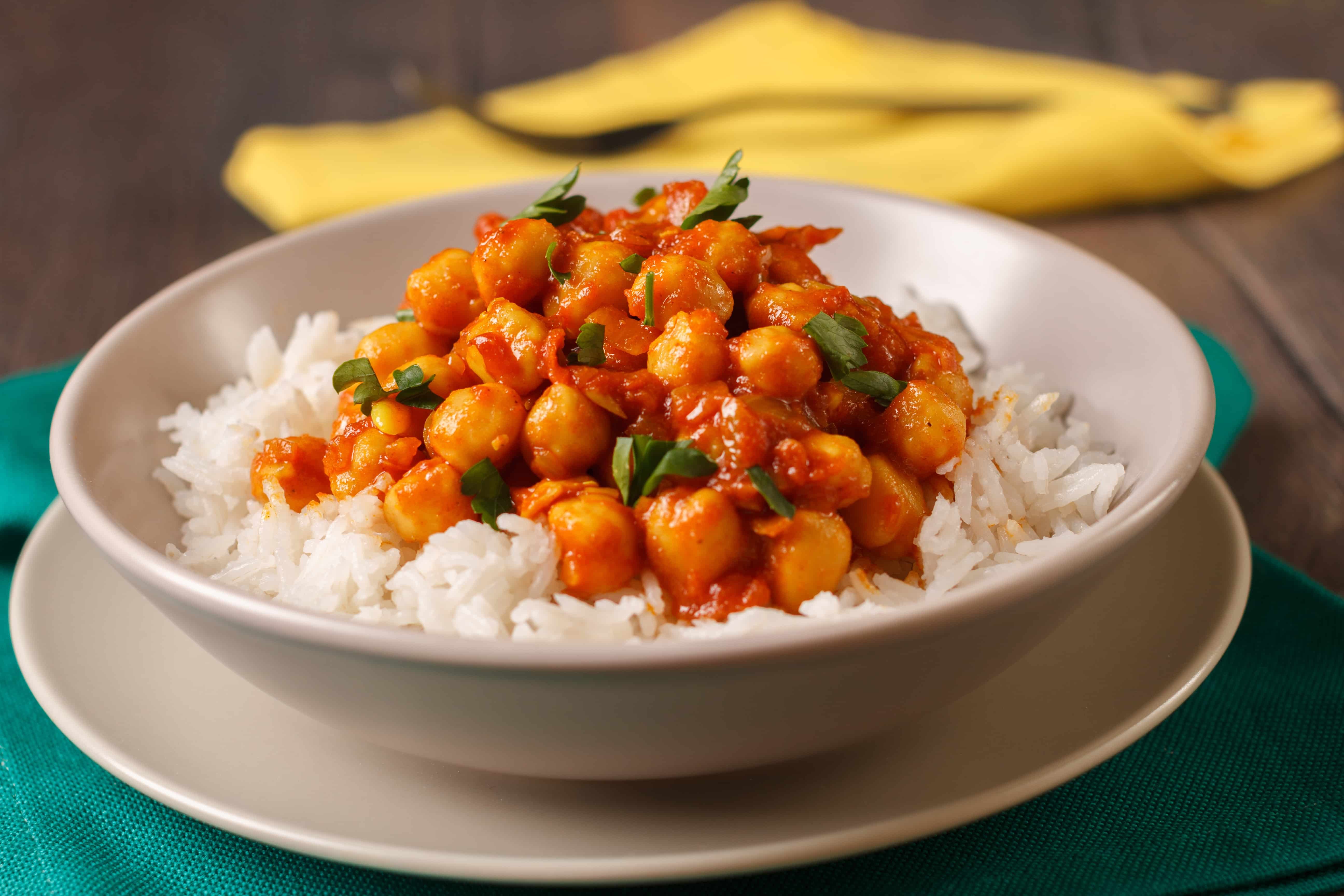 Chickpea Curry with Cauliflower Rice - 7 Points + - LaaLoosh
