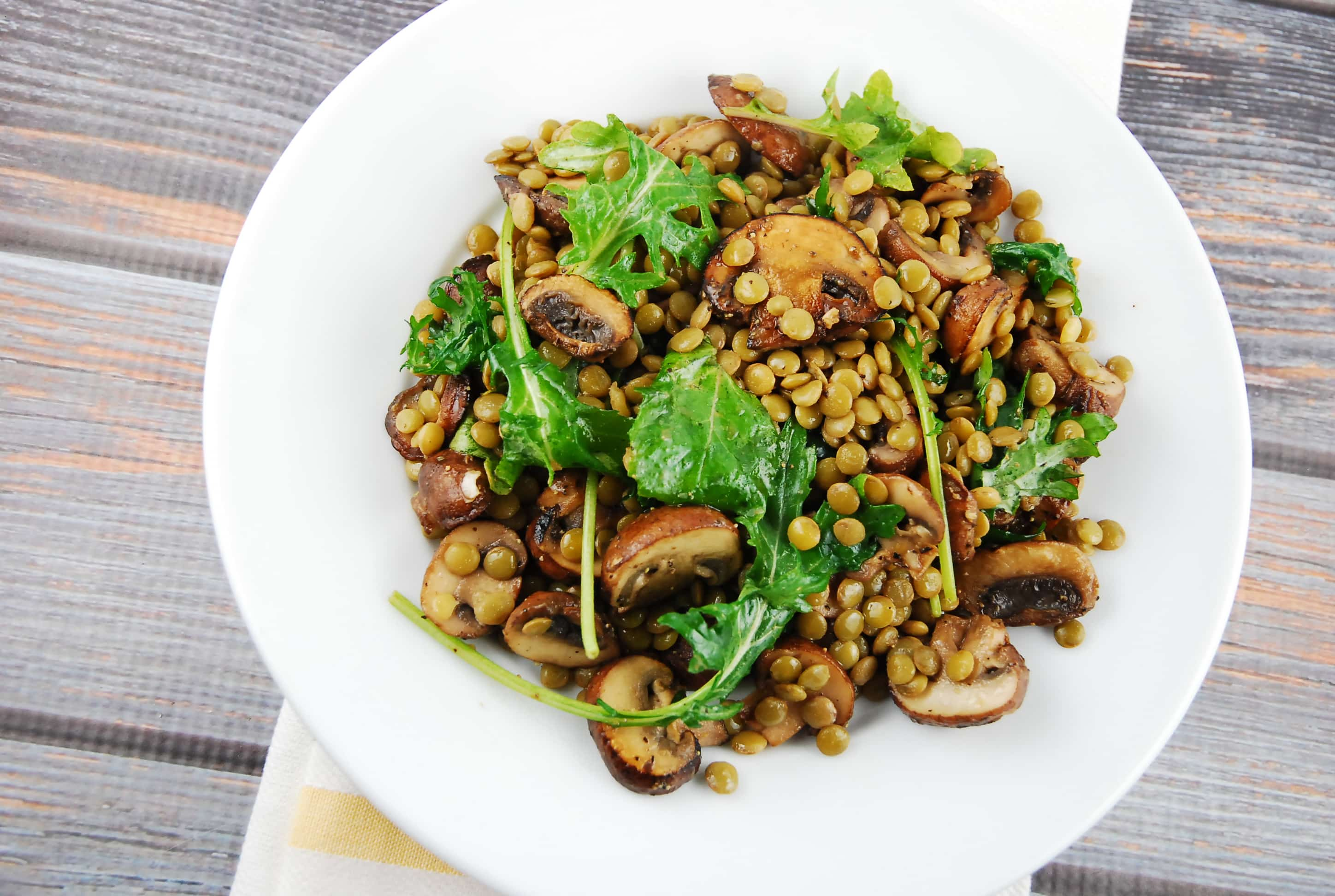 How to cook a delicious and satisfying salad with beans and mushrooms