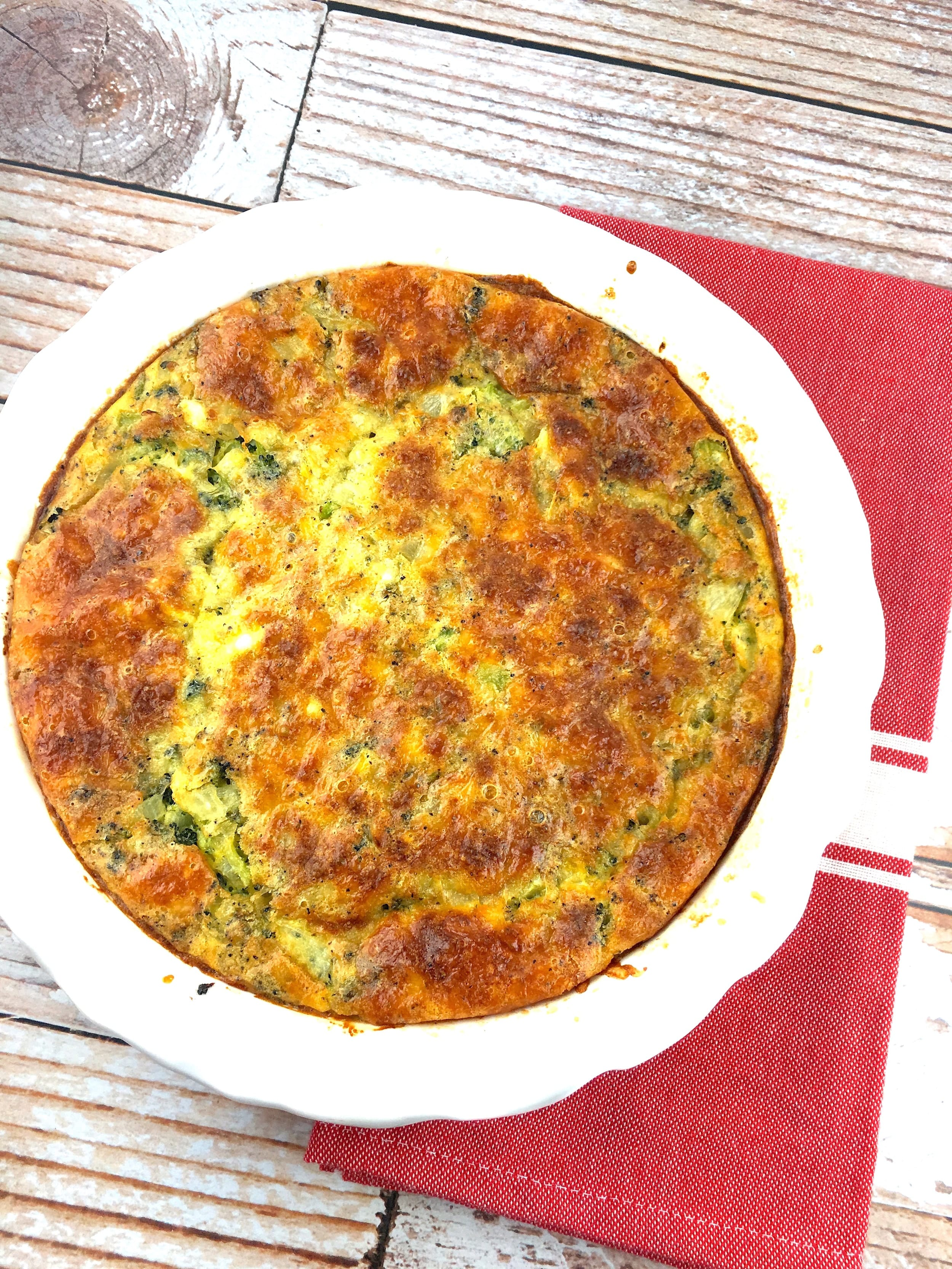 Broccoli and Cheddar Crustless Quiche - 4 Smart Points - LaaLoosh