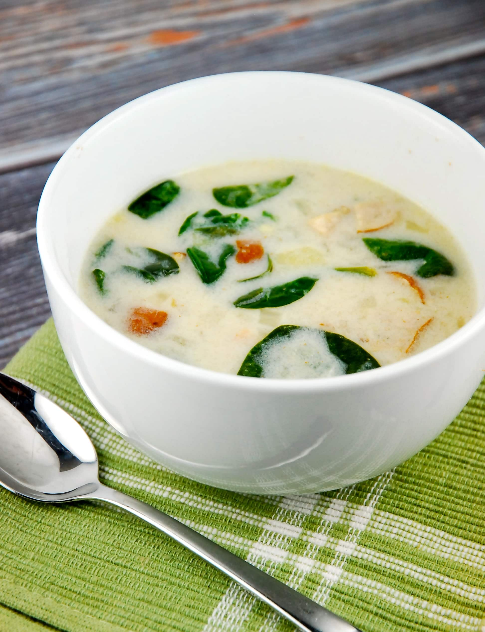 Slow cooker zuppa toscana recipe 6 smart points laaloosh for Toscana soup olive garden calories