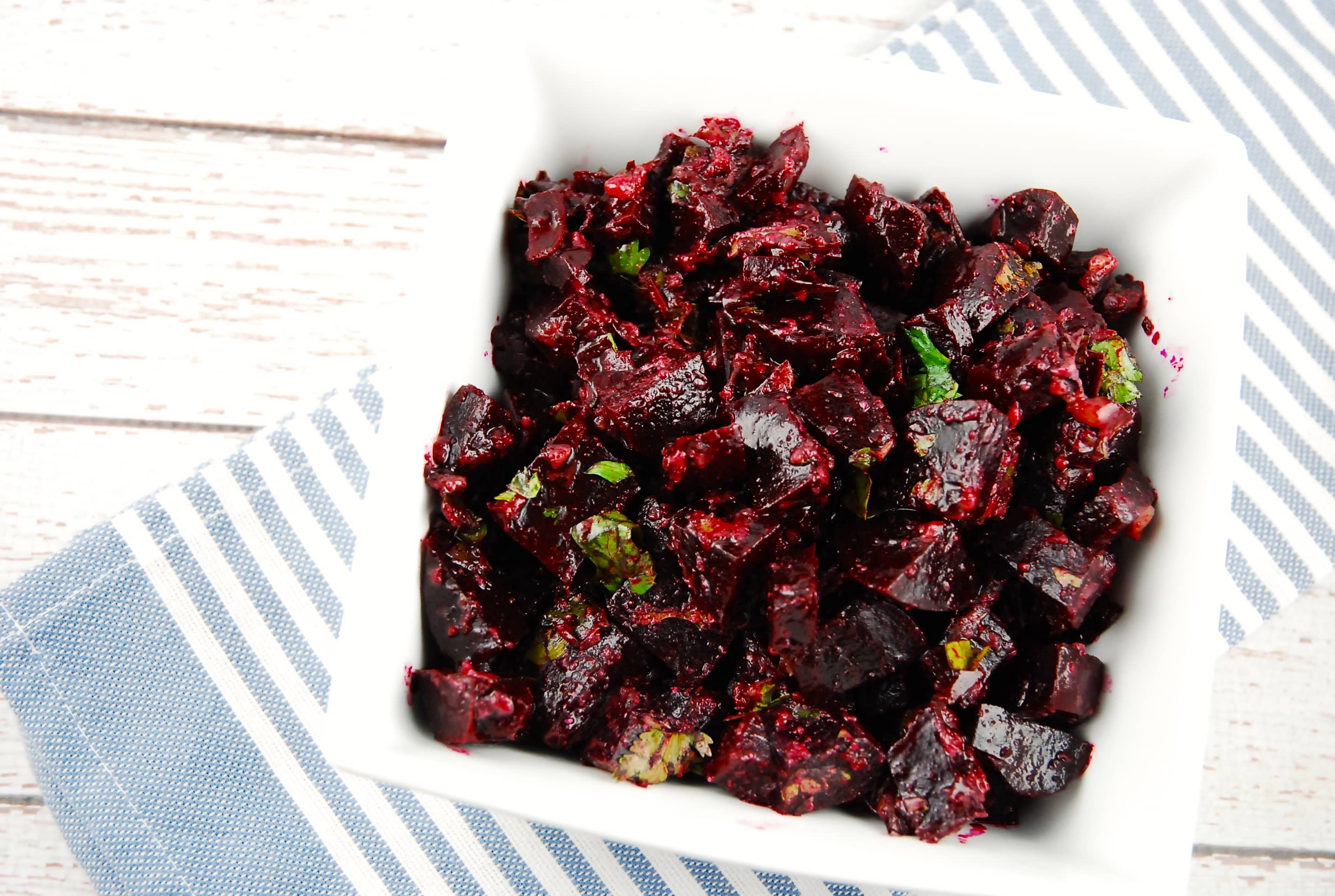 How to originally make beetroot salad without mayonnaise 3