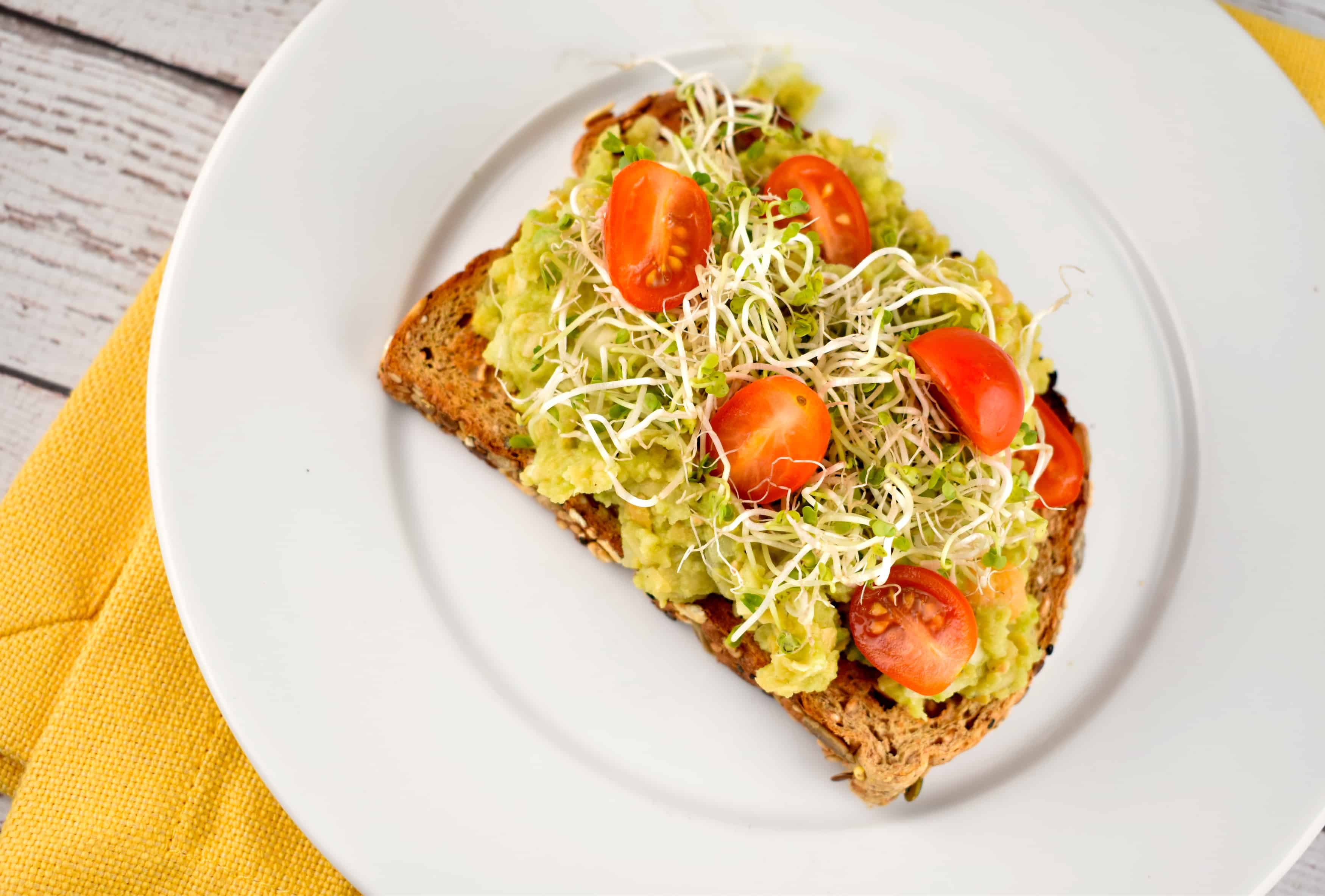 avocado toast 3 points laaloosh