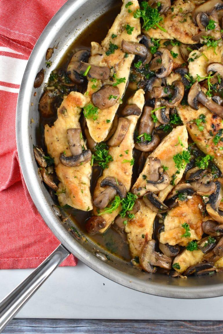 Chicken and Mushrooms in Garlic Wine Sauce